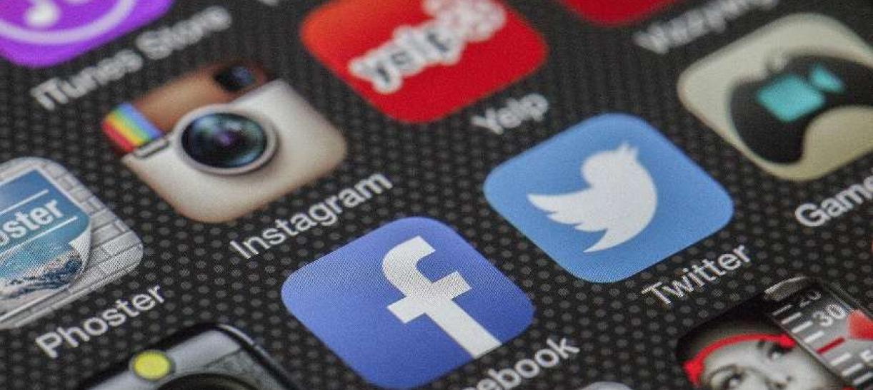 los influencers usan redes sociales como Facebook o Instagram