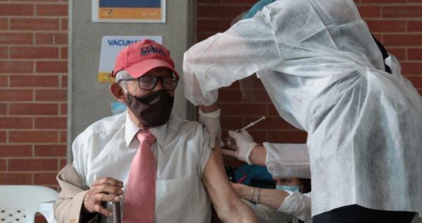 Colombia ya aplicó más de 2 millones de vacunas