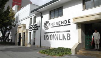 Fachada del Centro de Emprendimiento en Bogotá