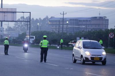 Consejos y recomendaciones para viajar seguros por carretera