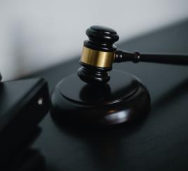 ¿Qué significa el pedido de la preclusión del caso Uribe?
