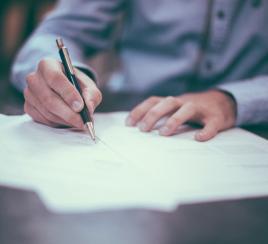 Proyecto busca frenar pedidos de plata en ofertas laborales