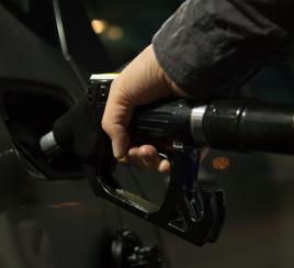 Alerta por desabastecimiento de combustible en el país
