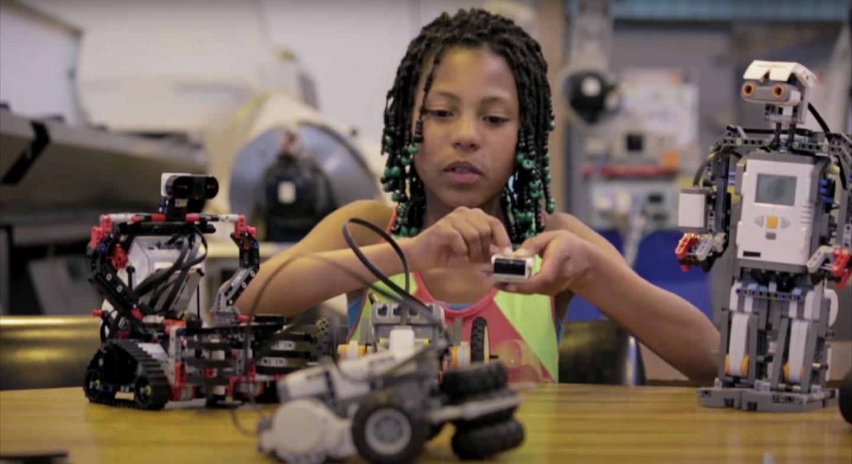 Robots - Imagen del capítulo de robótica de Mi Seña, Mi huella de