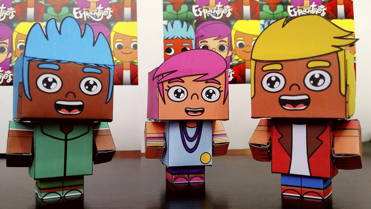 Paper toys armados de Lania, Rocco y Champi