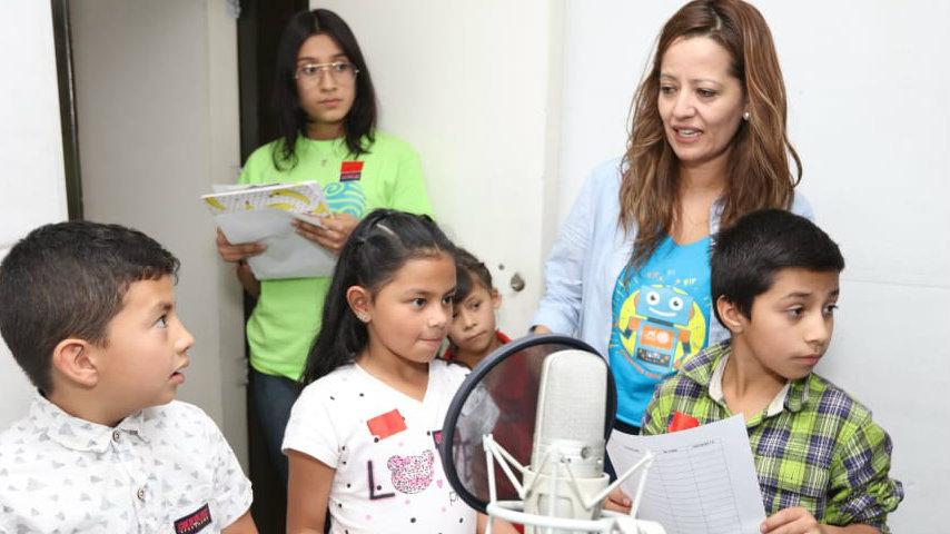 Niños en taller Cuentazos con efectazos, Señal Colombia de RTVC