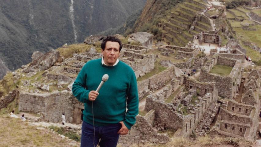 El mundo al vuelo Héctor Mora