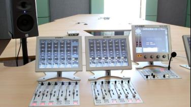 Cabina Radio Nacional de RTVC