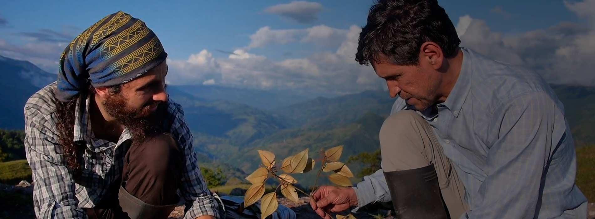 Julio Betancur y su alumno Cristian Castro.