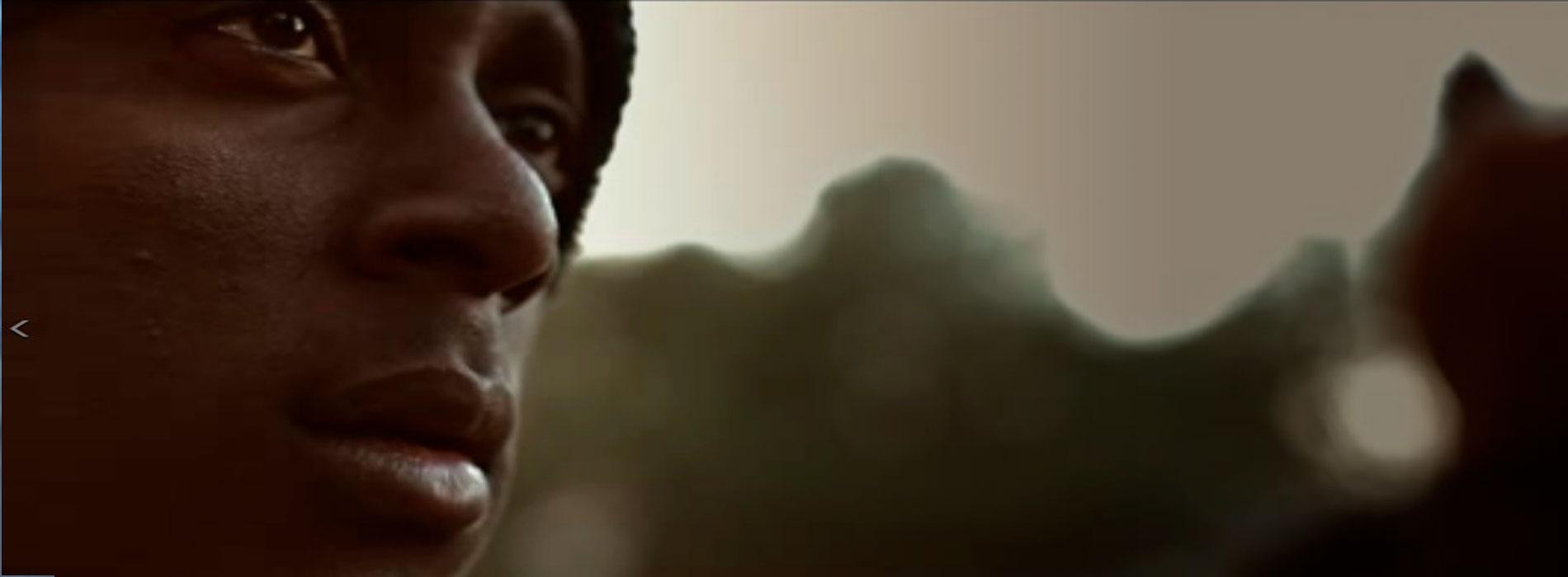 Migrante africano hacia Europa en el documental Frágil Equilibrio