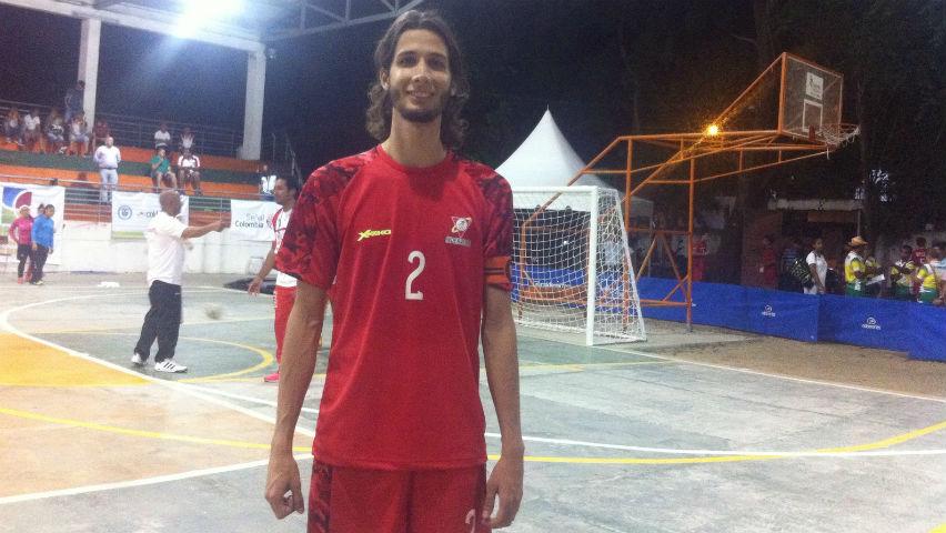 El fútbol sala, la pasión y el progreso de Edwin Ávila