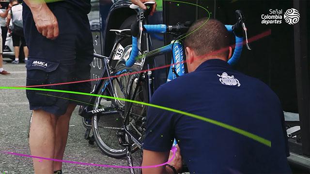 Así le hacen mantenimiento a la bicicleta de Nairo