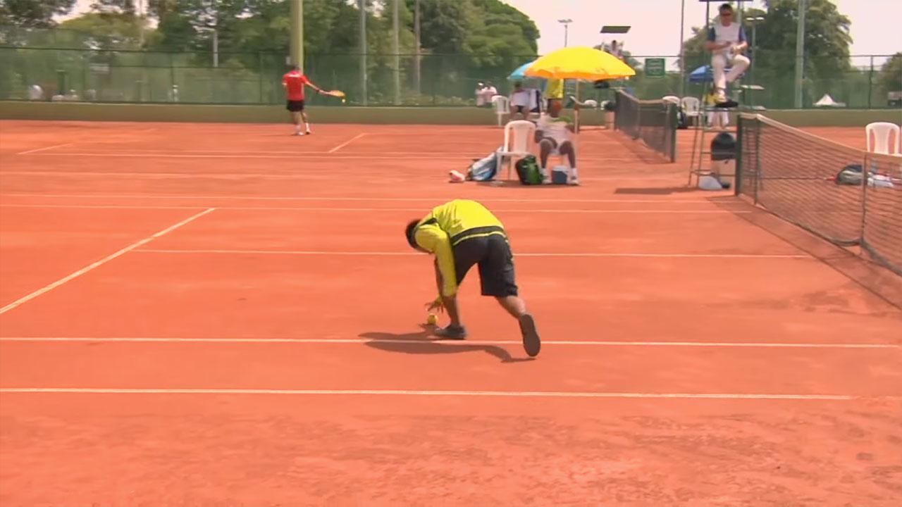 La labor de lo caddies en el tenis