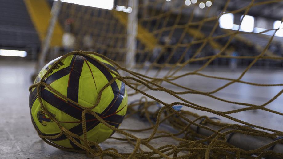 Diferencias en el micro, el fútbol sala y el fútbol / Sandro Boris - RTVC