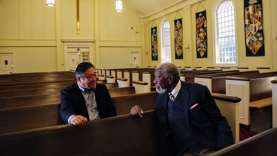 Morgan Freeman, presentador de la serie Historia de Dios.