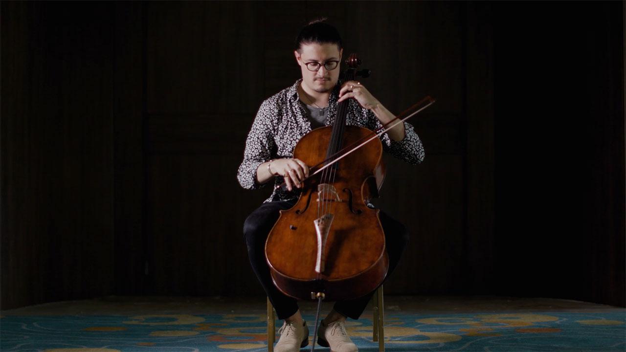 Santiago Cañón Valencia violonchelista colombiano