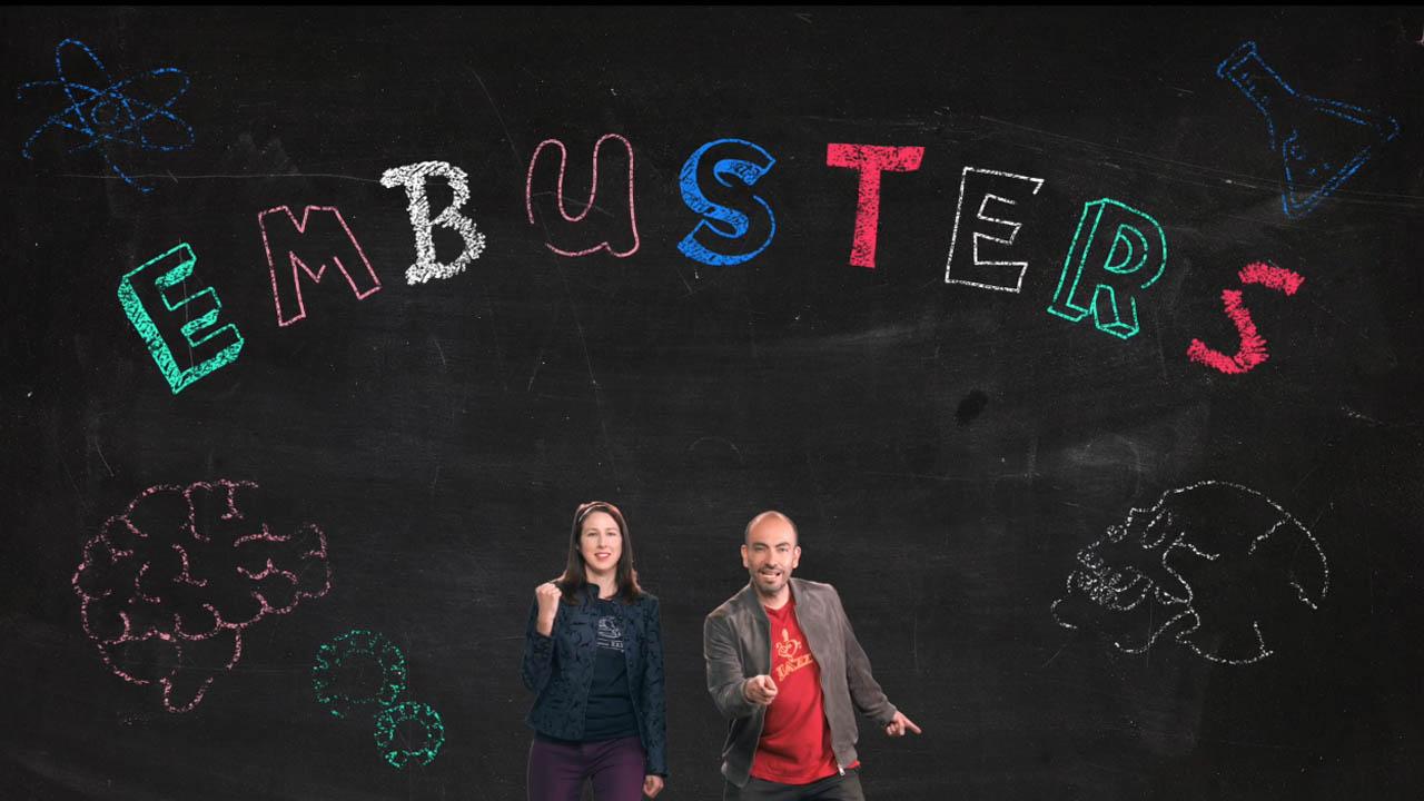 Cait May y Carlos Guarnizo, presentadores de 'Embusters'
