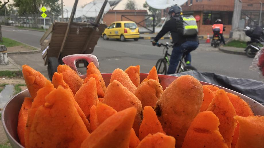 Cesta de empanadas fritas