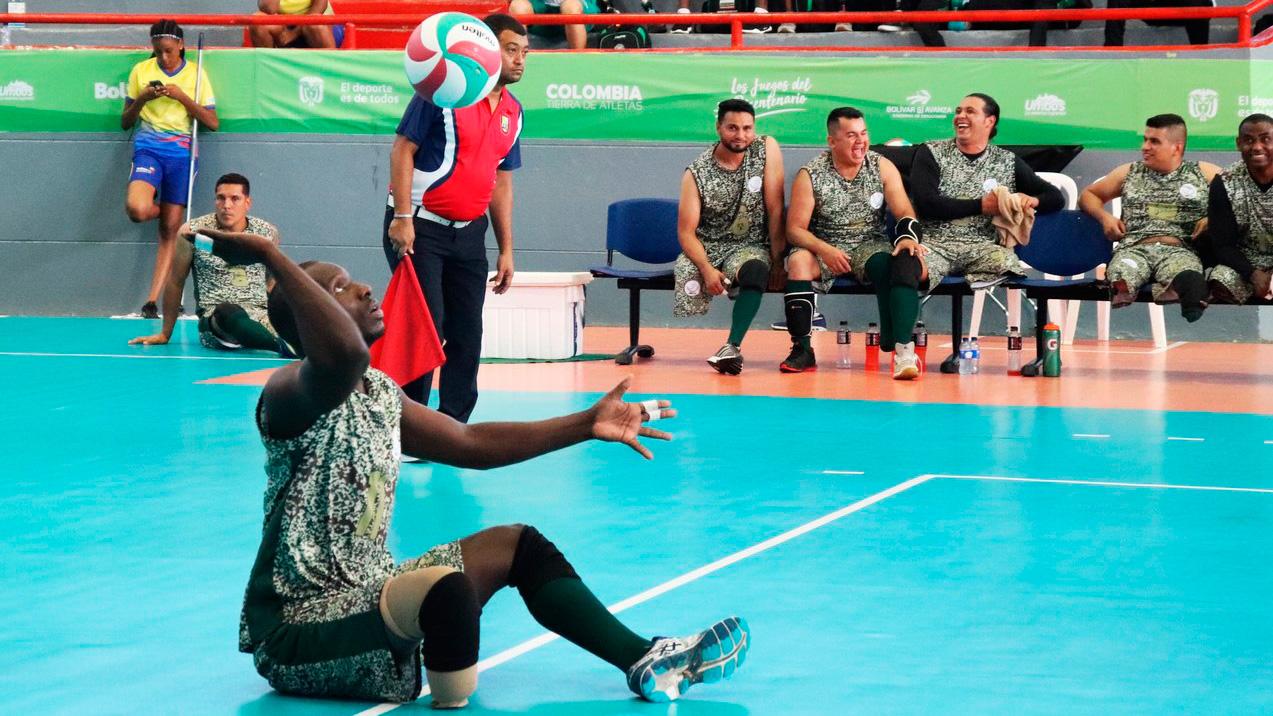 Geni Tunney Cañón es uno de los líderes en los procesos del voleibol paralímpico colombiano.