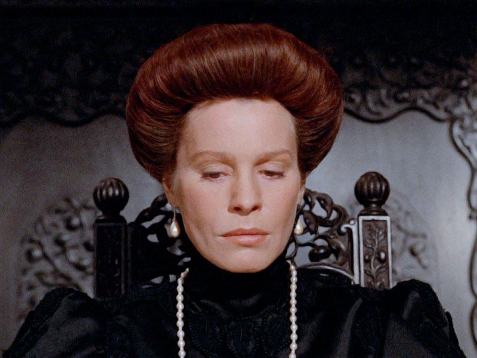 La actriz Ingrid Thulin interpreta a Karin - Imagen de la película Gritos y susurros de Ingmar Bergman