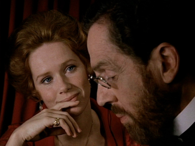 La actriz Liv Ullmann en la película Gritos y susurros de Ingmar Bergman