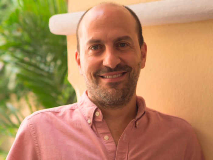 Hernando Álvarez, contenidos informativos en medios públicos
