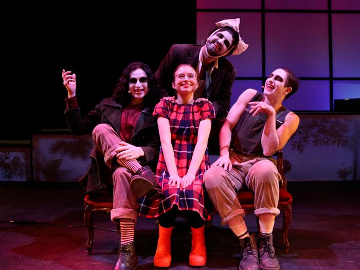 Ramiro y sus fantasmas, obra de teatro