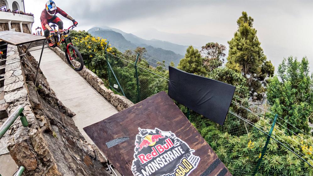 Downhill Red Bull Monserrate