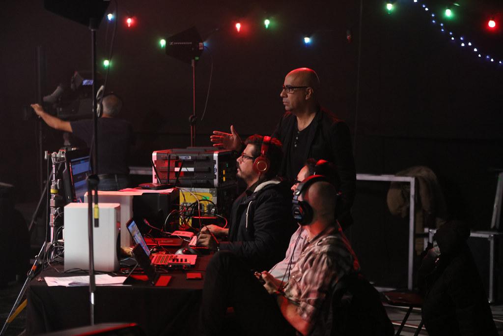 8 artistas dan su Versión en vivo en Señal Colombia | Señal