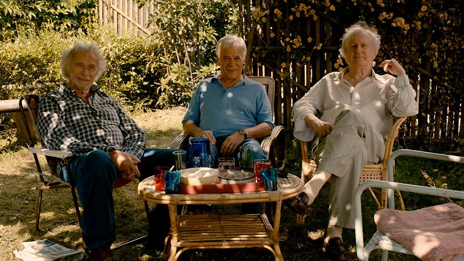 """Imagen de la cinta: """"Y si vivimos todos juntos"""""""