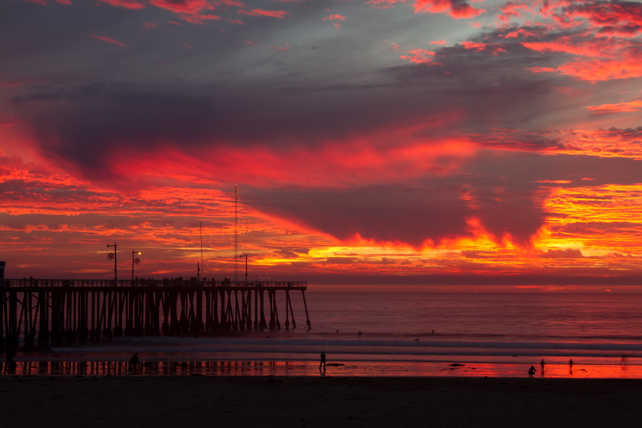 Pismo Beach Sunset / Sandy/Chuck Harris