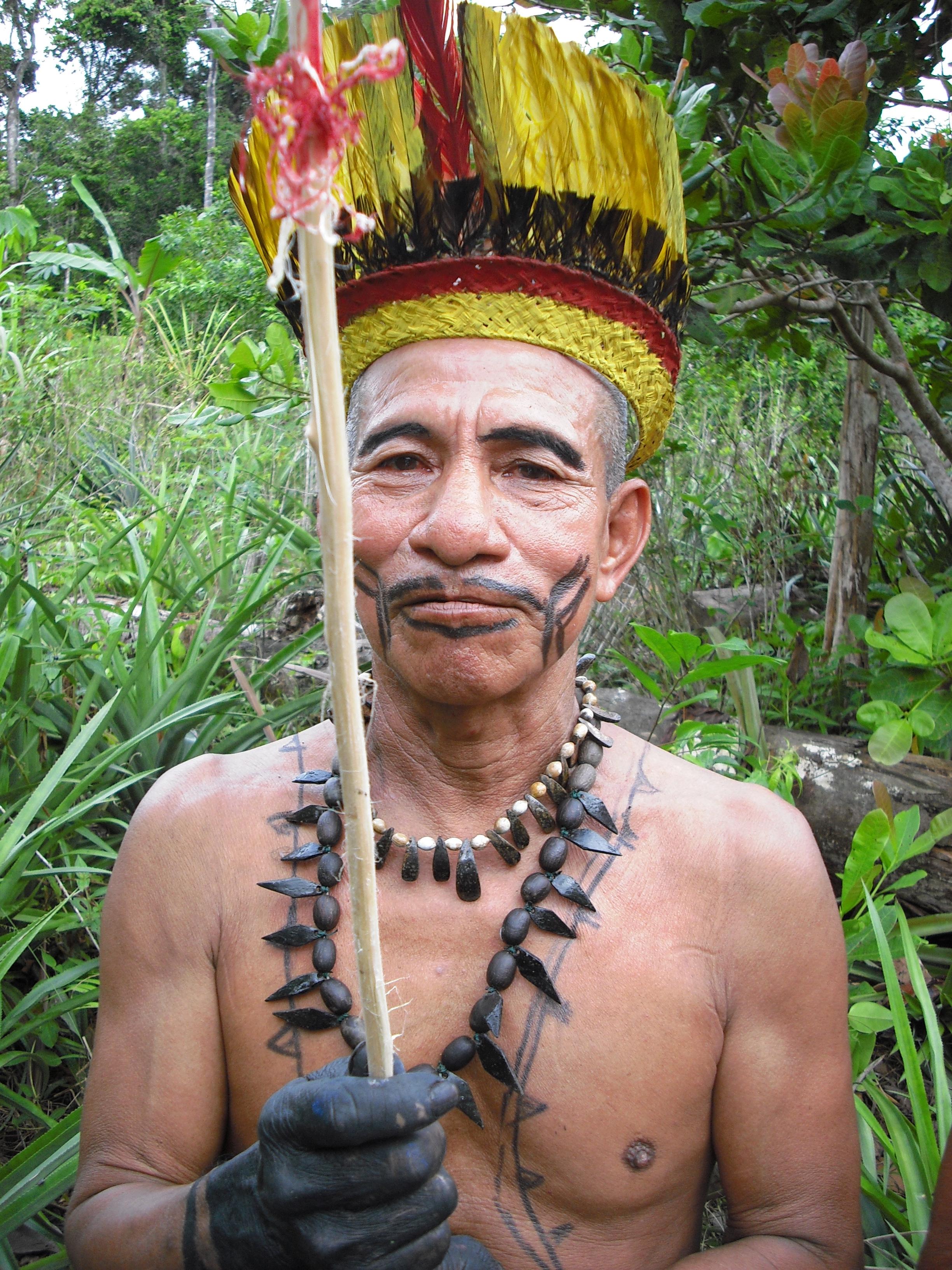 """Indígena registrado en la serie """"Ancestros tribales"""", de Señal Colombia."""