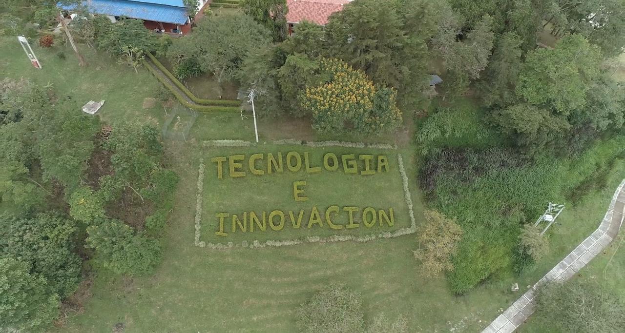 vista aerea Tecnoparque SENA cientifico por un dia senal colombia