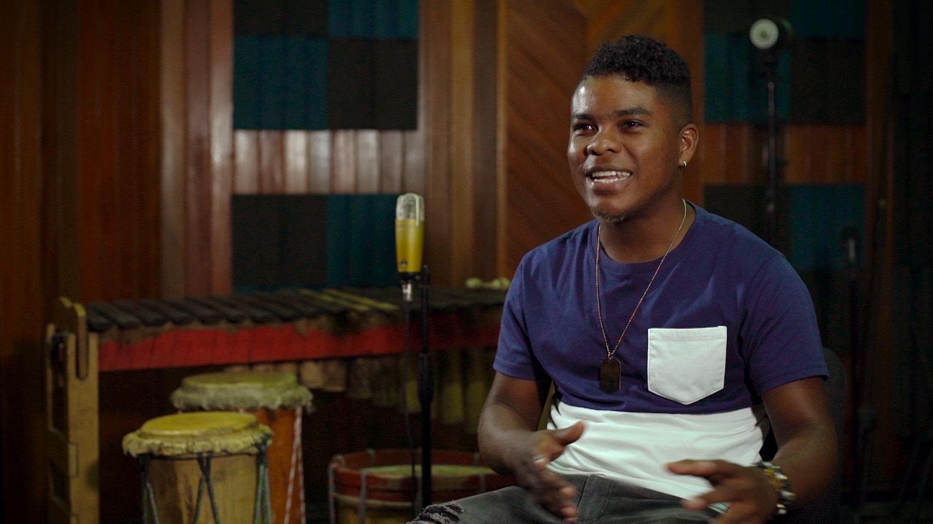 Andrés Micolta, productor e intérprete de salsa Choke, protagonista del documental La capital de la salsa choke