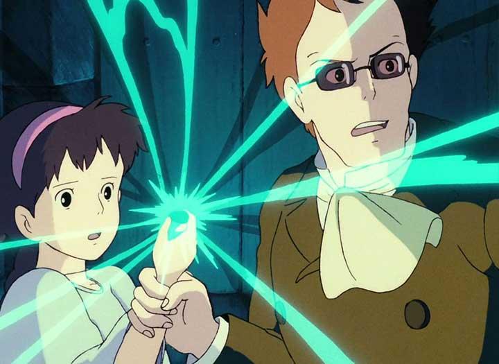 Un hombre agarra un colgante de una niña que brilla en la película El castillo volador de Miyazaki