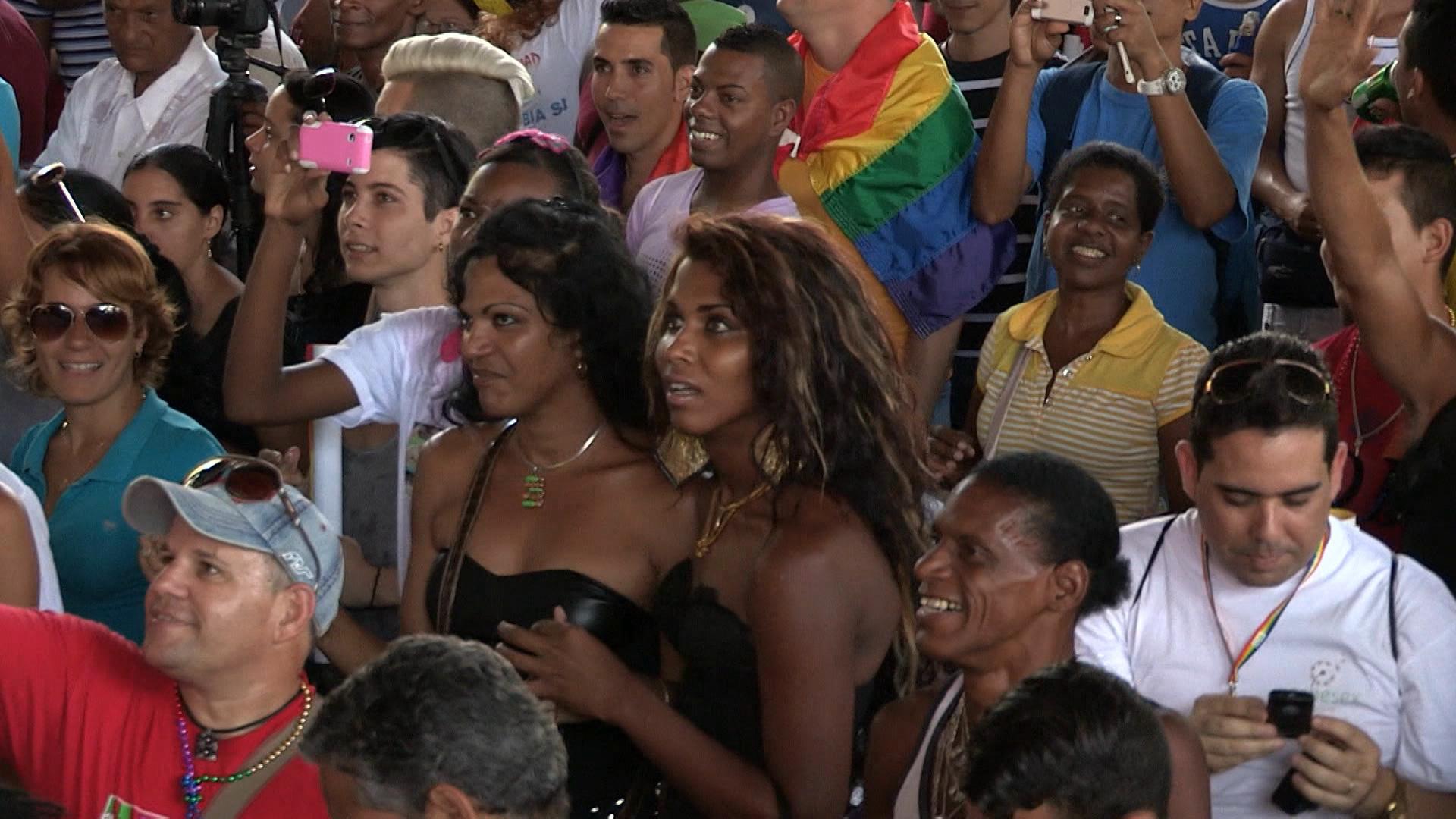 Personas de la comunidad LGBTI en manifestación.