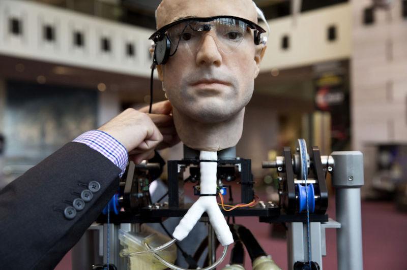 Ciborg en un laboratorio