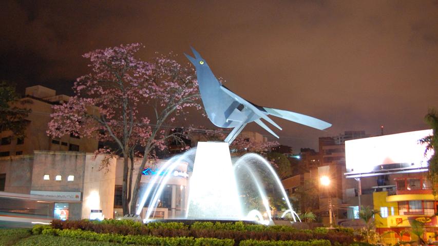 Escultura María Mulata de Enrique Grau en Cali