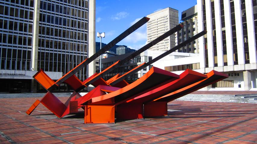 Escultura Nave Espacial de Eduardo Ramírez Villamizar en Bogotá