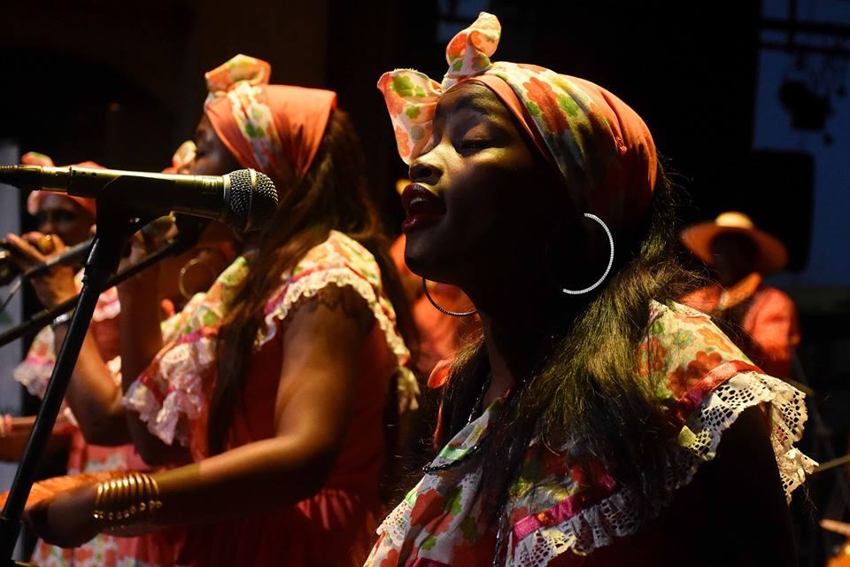 Cantaoras de música tradicional del Pacífico