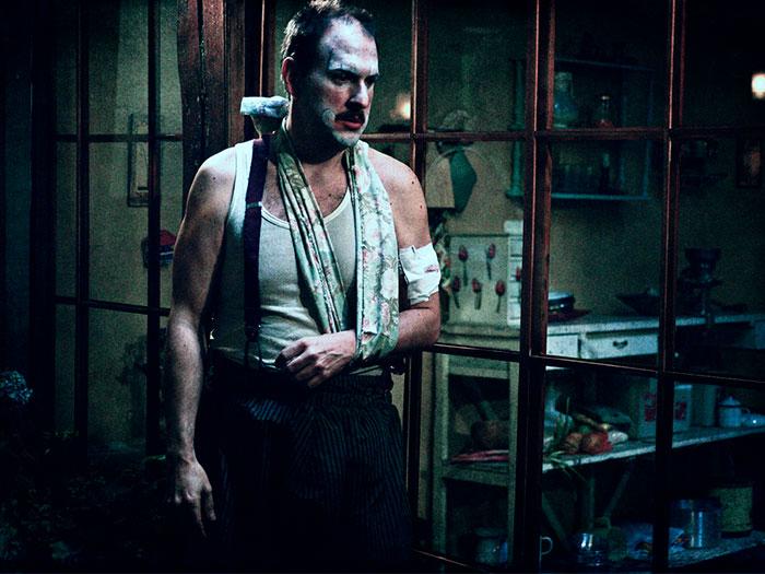 Andres Parra en la película Siempreviva