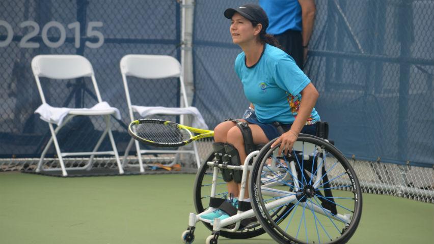 Johana Martínez le ganó a quienes dijeron que no podría ni estudiar