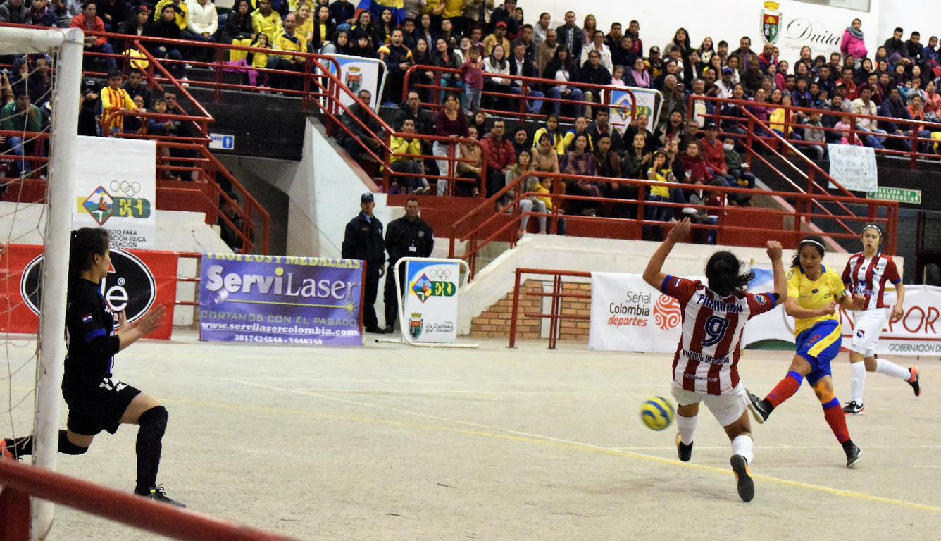 Las Posiciones En La Cancha Del Fútbol De Salón Señal Colombia
