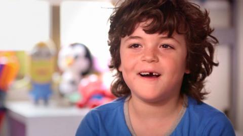 Nacho, niño con dent