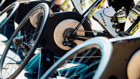 Así se puede hacer un rodillo de bicicleta en casa