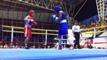 Boxeadores colombianos en el cuadrilátero en una tarde de práctica