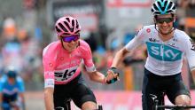 Froome celebra junto a Poels en la etapa 20 / Giro Oficial