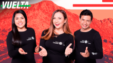 Goga (centro) junto a Marisol Toro (izq) y Andrés Páez (der), los talentos de Señal Colombia en la Vuelta al País Vasco