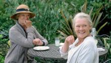 Maggie Smith y Judi Dench en la película 'La última primavera' (2004)