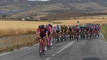 Pelotón del Giro de Italia durante la sexta etapa / Giro de Italia oficial